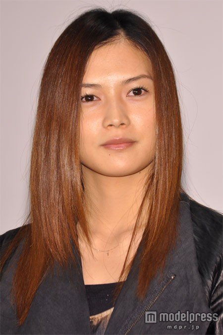 yui、結婚・妊娠を発表<コメント全文>