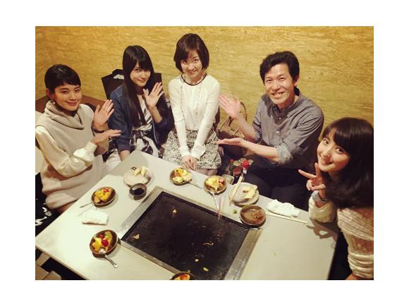 佐々木希、筧美和子&AKB48入山杏奈ら「黒服物語」キャストと黒川智花の結婚をお祝い「本当におめでたい」