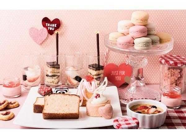 恋を連想させるピンクや赤、ハートのキュートなスイーツビュッフェは恋の予感!