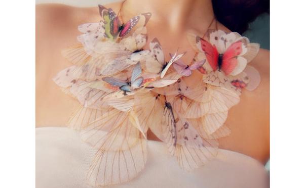 蝶がひらひらと舞い降りたみたい♡ロマンチックなアクセサリー
