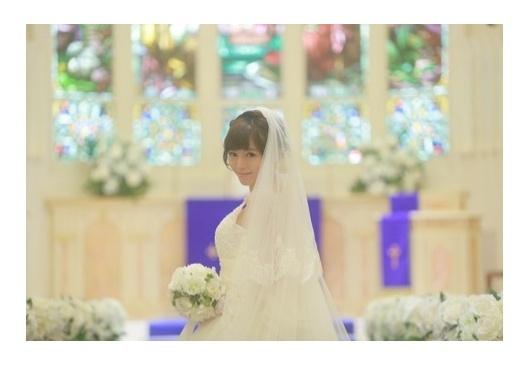 釈由美子、純白ウェディングドレスで挙式・披露宴「夢のなかにいるみたい」