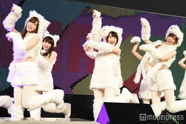 """乃木坂46""""ふわふわ子犬""""衣装で歌って踊る姿が可愛い!「久々の緊張でした」"""