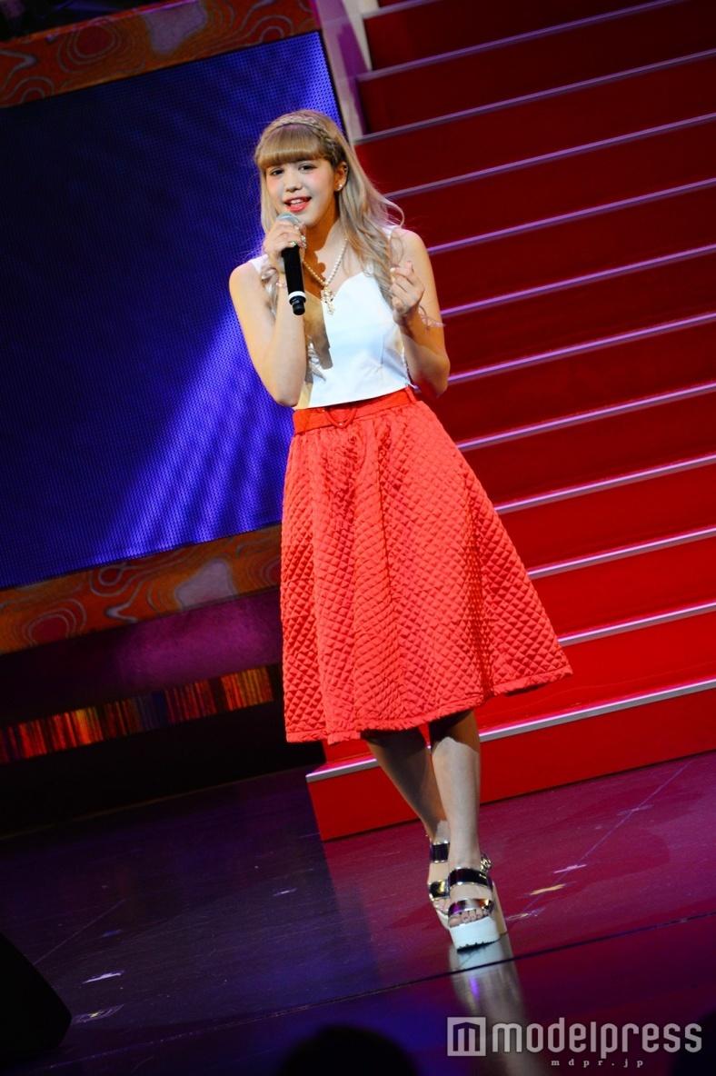 原宿系知名度No.1モデル紗蘭、ソロデビュー曲キュートに熱唱 恋する女の子にエール<GBS2016>