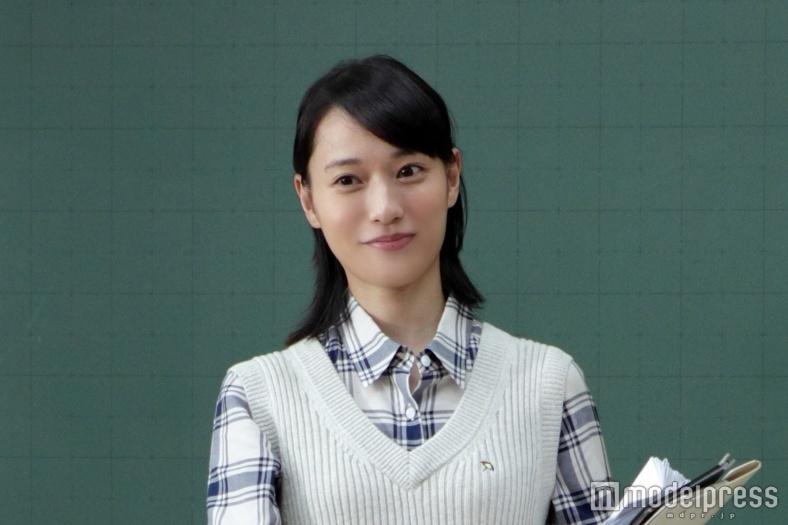 戸田恵梨香、初の教師役に挑戦「こっ恥ずかしい」心境を吐露<コメント到着>