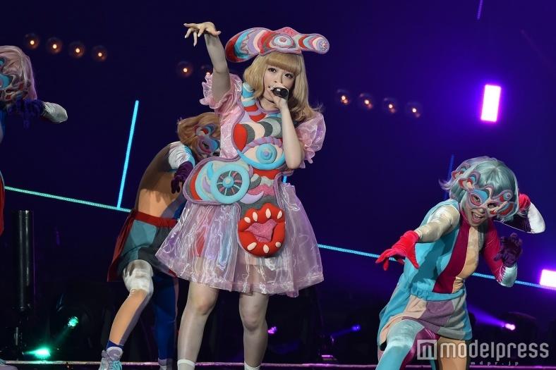 きゃりーぱみゅぱみゅ×関ジャニ∞のダンスコラボに反響「可愛いの極み」「永遠に観ていられる」