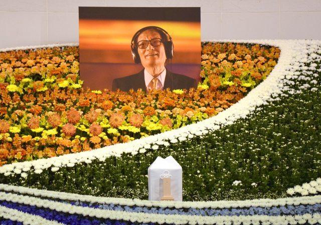 冨田勲さん『お別れの会』しめやかに  スティービー・ワンダー「彼が遺した作品を祝福しましょう」