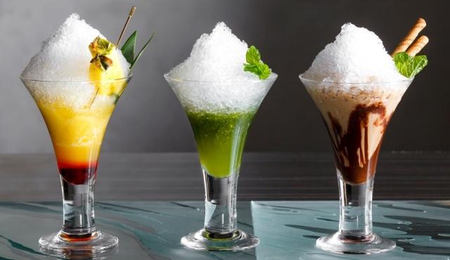 大人の夏にぴったり シャンパン入りのかき氷カクテル