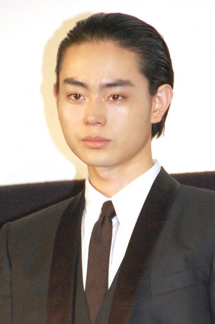 菅田将暉、撮影中に祖父が現れる 2万円持って「来たで~」