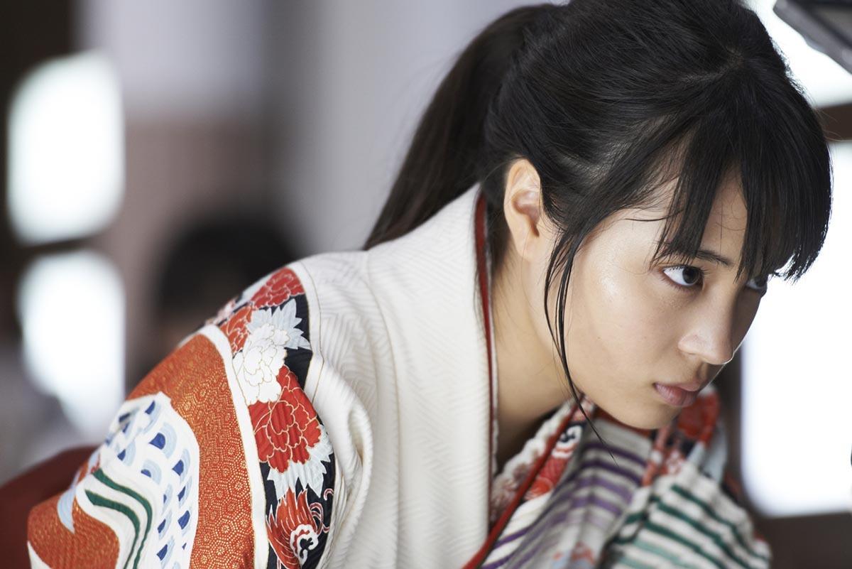 広瀬すず主演『ちはやふる』上下2作のBD&DVDを2か月連続でリリース