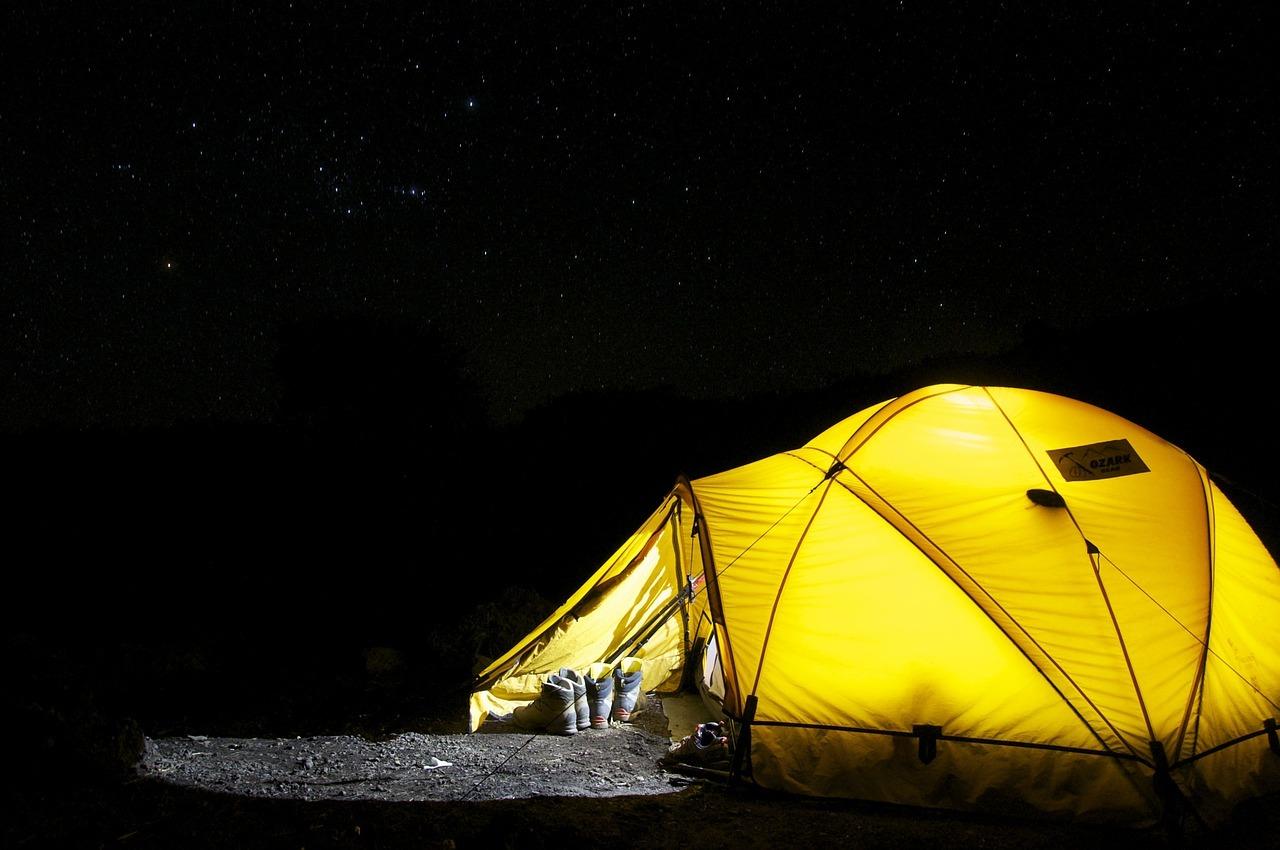 キャンプデートでドキドキ体験! 忘れられない夏の夜の過ごし方