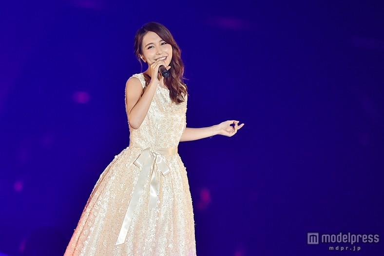 May J.、プリンセスオーラ放ち「美女と野獣」など名曲歌唱<TGC北九州2015>