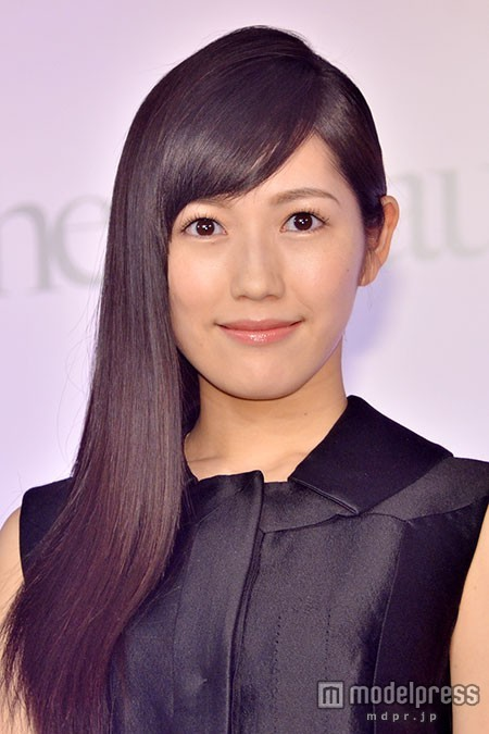 """渡辺麻友""""大好き""""な相手に慰められる AKB48「じゃんけん大会2015」"""