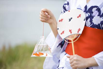 浴衣にもぴったり。京都生まれの胡粉ネイルでしとやかな和美人を目指そう!