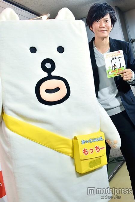 """ふなっしーに似てる?田辺誠一が考案のかっこいい犬""""もっちー""""イベント初登場"""