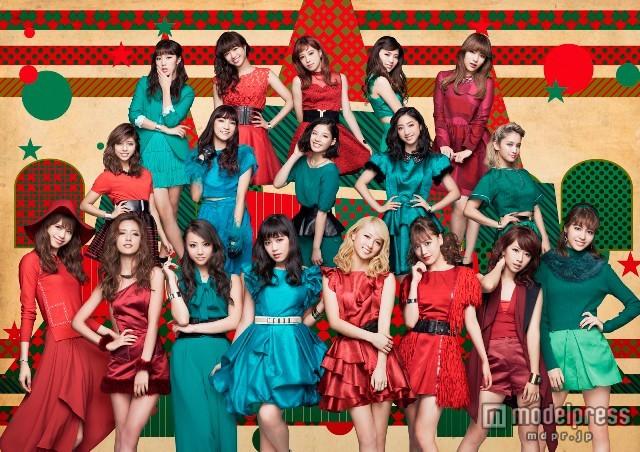 E-girls流のクリスマス、キュートな衣装で魅了