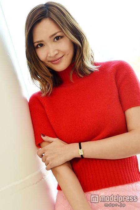 """紗栄子、""""キスマイ&中村アン""""のデート姿に「グッときた」 自身の理想のデートも明かす<「キスブサ」潜入インタビュー>"""