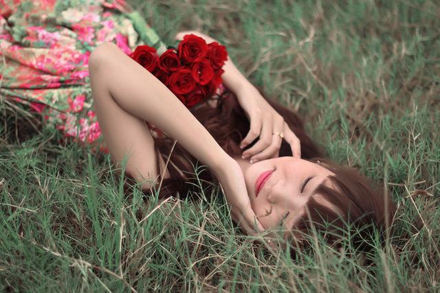 指先がローズガーデンに!高貴の花バラは女性の永遠なるアイテム♡大人女子にもおすすめのローズネイルデザイン特集♪