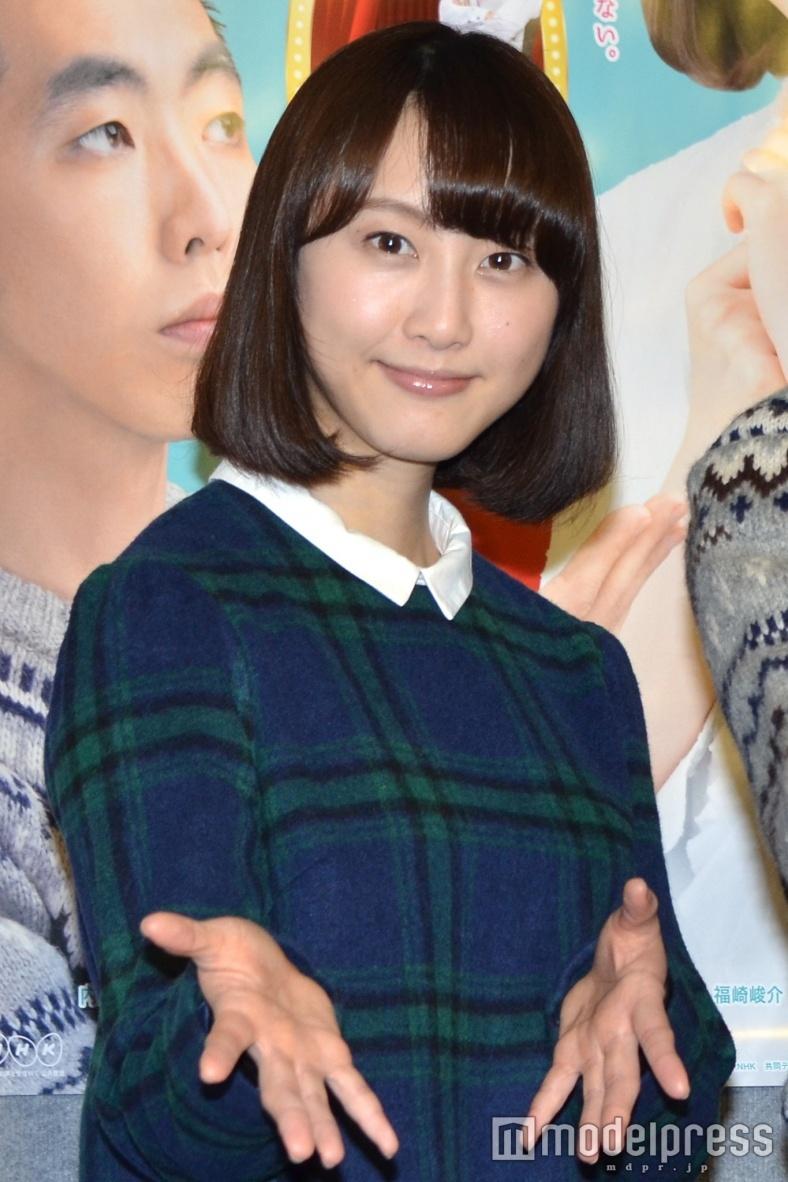 松井玲奈「大好きで…」共演者を待ち受けに