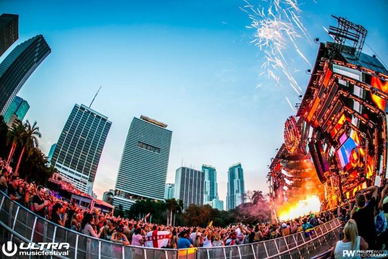 「ULTRA MUSIC FESTIVAL」開幕 総勢57組の世界トップDJが圧巻プレイを披露