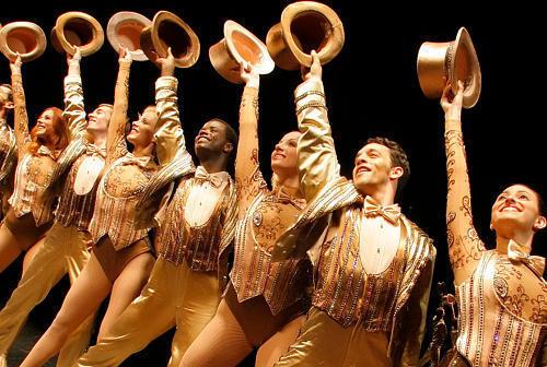 ミュージカルの舞台裏を描く『ブロードウェイ♪ブロードウェイ コーラスラインにかける夢』