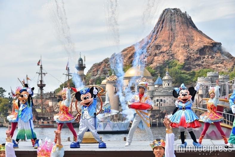ディズニーシー15周年、新ショー初お披露目 特別コスチュームで盛大にお祝い