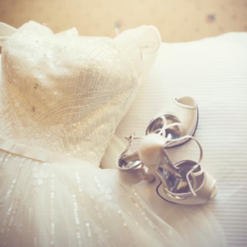 体型カバー&上品な雰囲気に…♡可愛い長袖ウェディングドレス12選!