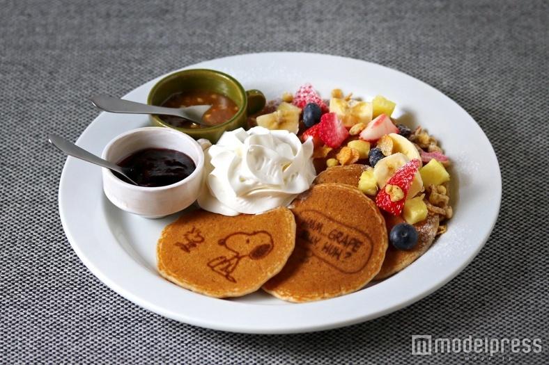 「スヌーピーミュージアム」はカフェにも注目!パンケーキやサンドイッチにキャラがいっぱい