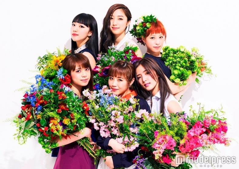 Flower、6人の華やかな個性&美しさが咲き誇る