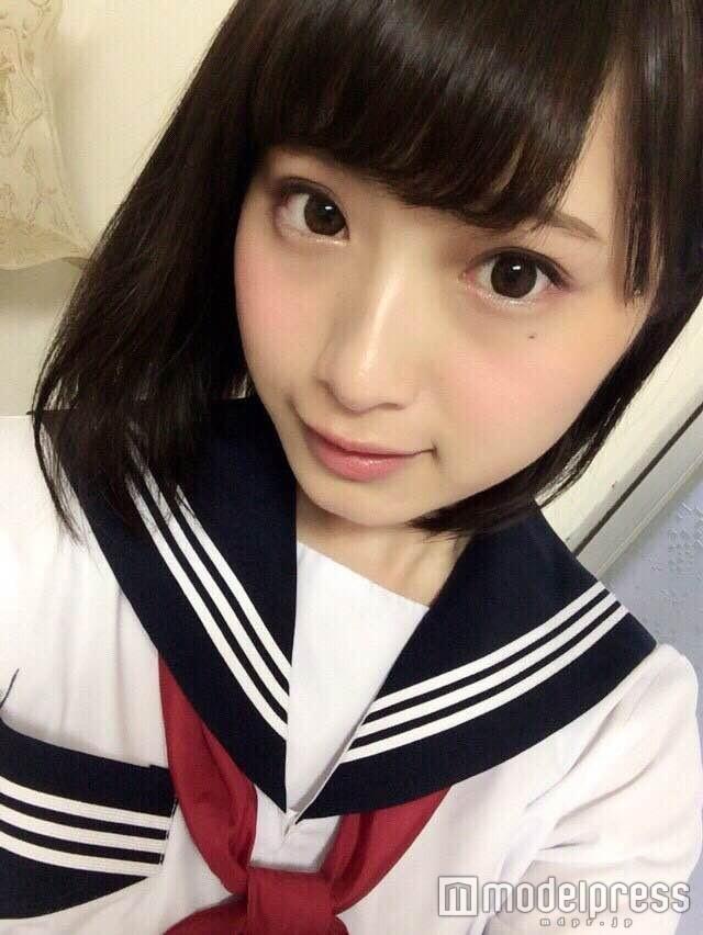 """初代""""日本一かわいい女子高生""""、セーラー服姿で""""最高に可愛い""""タッグ実現「心震える」"""