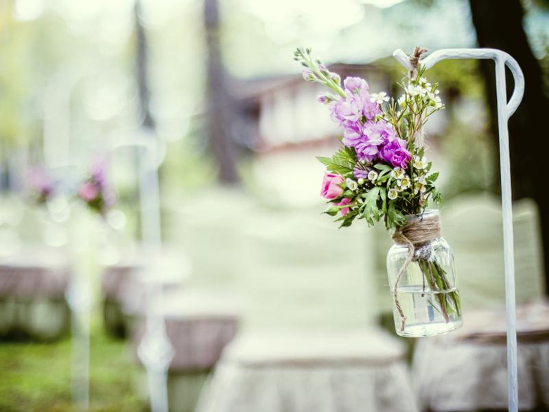 3割弱はナシ婚。結婚式を挙げないカップルが増加中