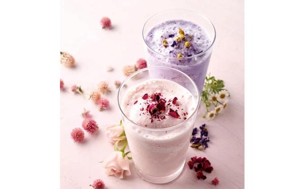 グラスの中にお花畑♡ハーブのスムージーがアフタヌーンティーに登場
