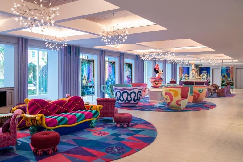 """新ディズニーホテル初公開、アトラクションのワクワクを凝縮!""""お手頃価格""""も実現"""