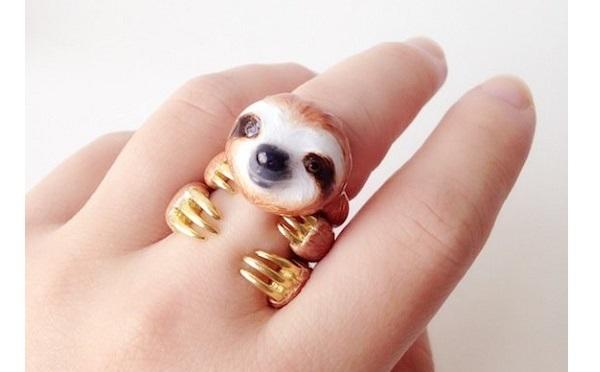 ナマケモノが指にしがみつく♡動物モチーフのリングが可愛すぎて悶絶