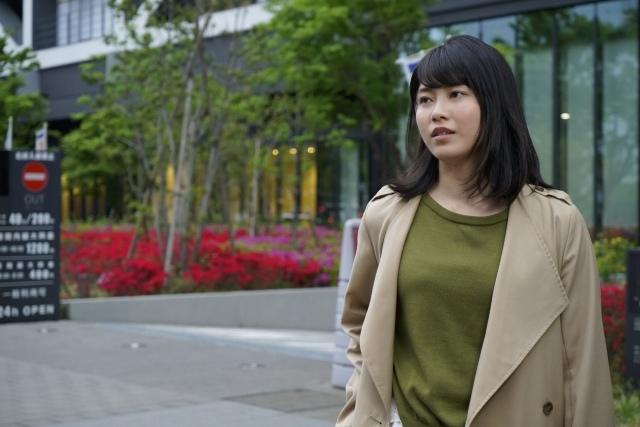 横山由依、元メンバーの結婚式帰りに「結婚情報誌買っちゃいました」