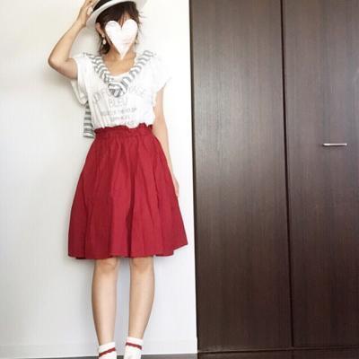 【一点投入で華やかさ満点】夏だからこそ楽しめるキレイ色スカート特集♥