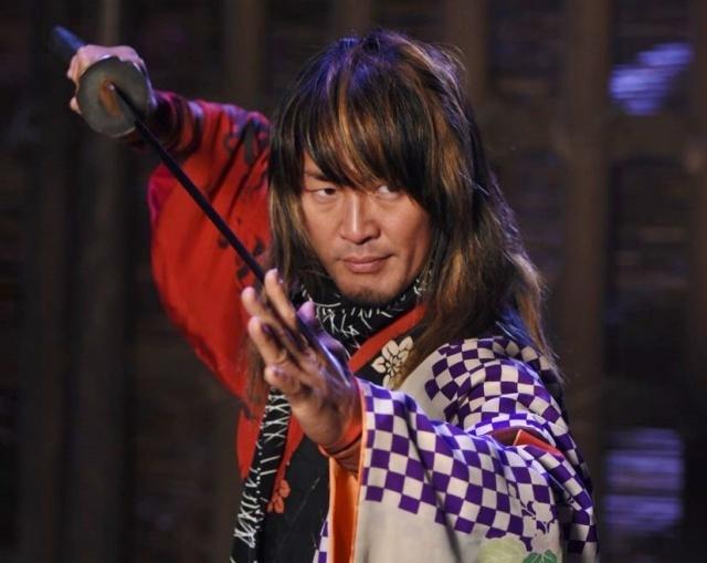 棚橋弘至、殺陣で海老蔵と華麗にバトル 『石川五右衛門』に剣豪役で出演