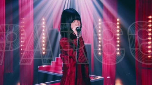 欅坂46センター平手友梨奈、閉館間近の渋谷PARCOを歌う