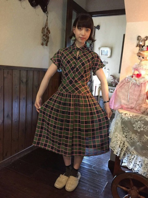 森川葵のファッション通信(5)大人カラーのチェックワンピがお気に入り