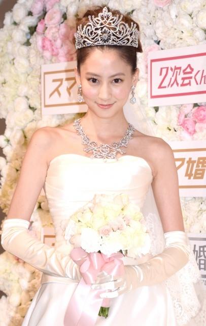 河北麻友子、総額3億円の花嫁姿 恋愛解禁間近で婚活宣言も