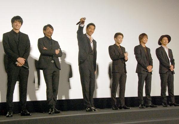 """AKIRA""""壁ドン""""でTAKAHIROに対抗意識 岩田剛典「僕だって」"""