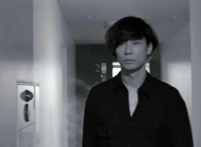 [Alexandros]新曲MVは全編モノクロ 波瑠主演ドラマ主題歌