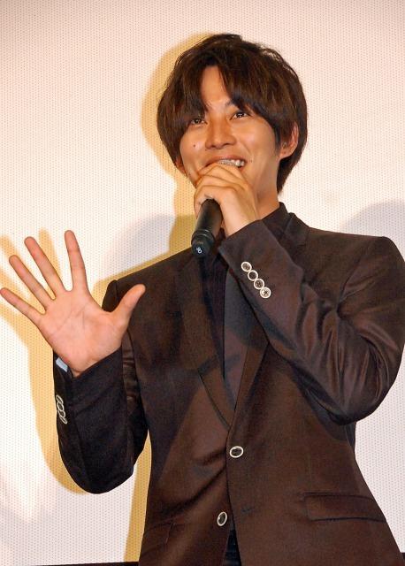生田斗真「猫ひろしさんを応援したい」 主演映画舞台あいさつで「にゃー」
