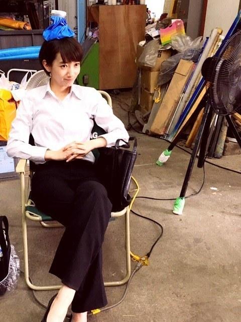 波瑠、酷暑撮影で頭に氷嚢 熱中症に「気をつけて!」