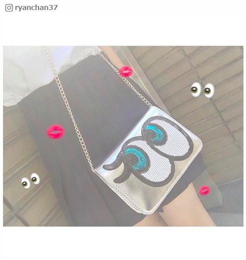 【話題のアイテム】インパクト抜群!「PLAYNOMORE」のキラキラ目玉バッグでオルチャンファッション