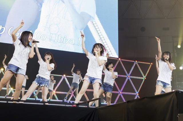 NMB48、『リクアワ2016』空席に苦戦も31曲熱唱 総合MC・須藤凜々花が盛り上げる