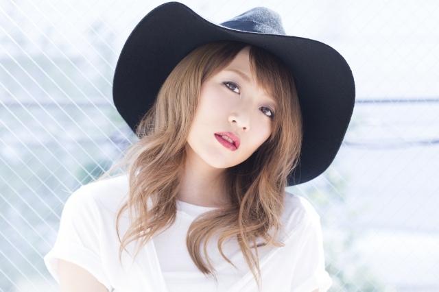 たかみな 10・12初アルバム 玉置浩二・真島昌利・カーリーら豪華11組楽曲提供
