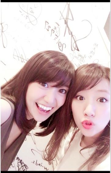 """たかみな&優子、""""戦友""""が偶然の再会 久しぶり2ショットにファンが大喜び"""