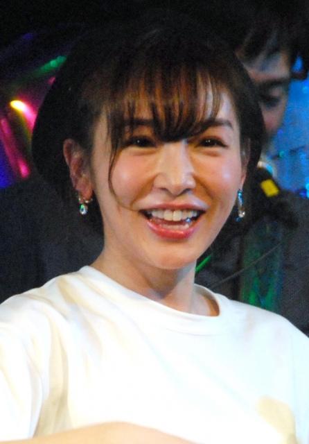 加護亜依、再婚をテレビで初報告「めっちゃ幸せです」 育児はママ友・辻希美に相談