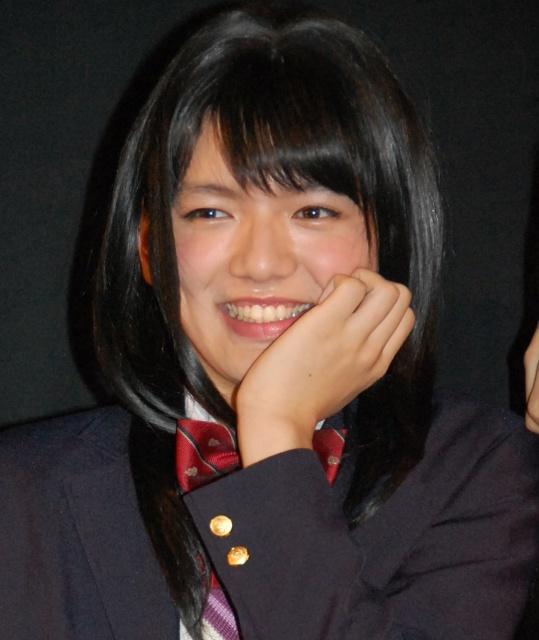 濱田龍臣の女装姿に歓声 制服姿を共演者も絶賛「女の子そのもの」