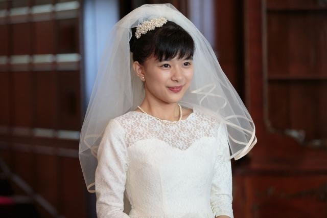 【べっぴんさん】芳根京子、人生初のウエディングドレス姿を披露